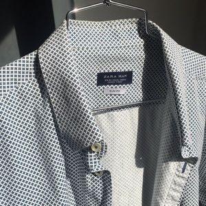 Zara - XL Slim Fit White w/ Blue Design.